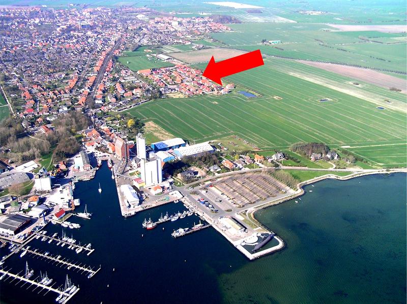 Lage beider Häuser und der Ferienwohnungen auf Fehmarn in der Nähe des Yachthafens