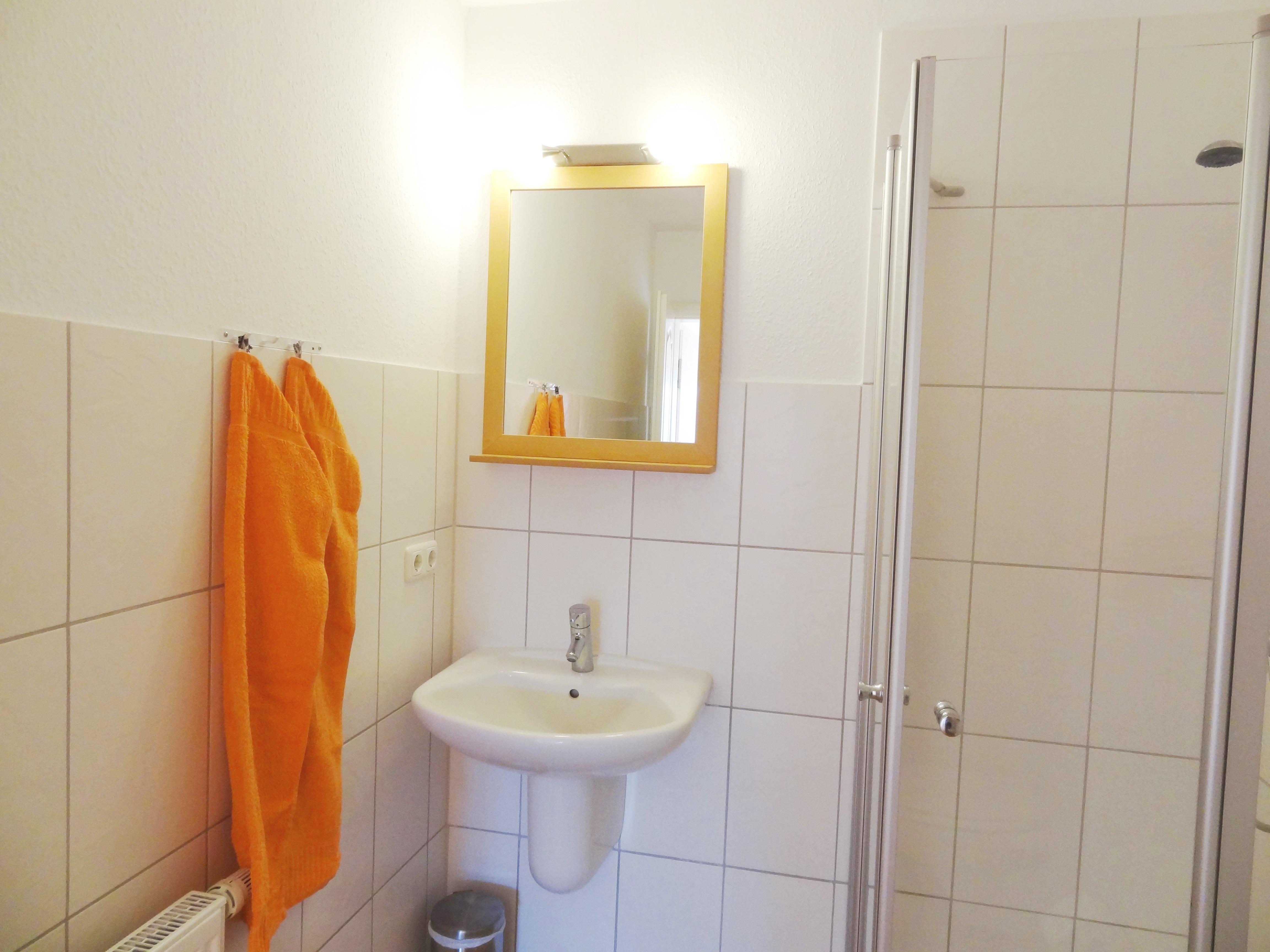 Badezimmer der Ferienwohnung Markt Schwaben von Ferienwohnungen Hass auf Fehmarn