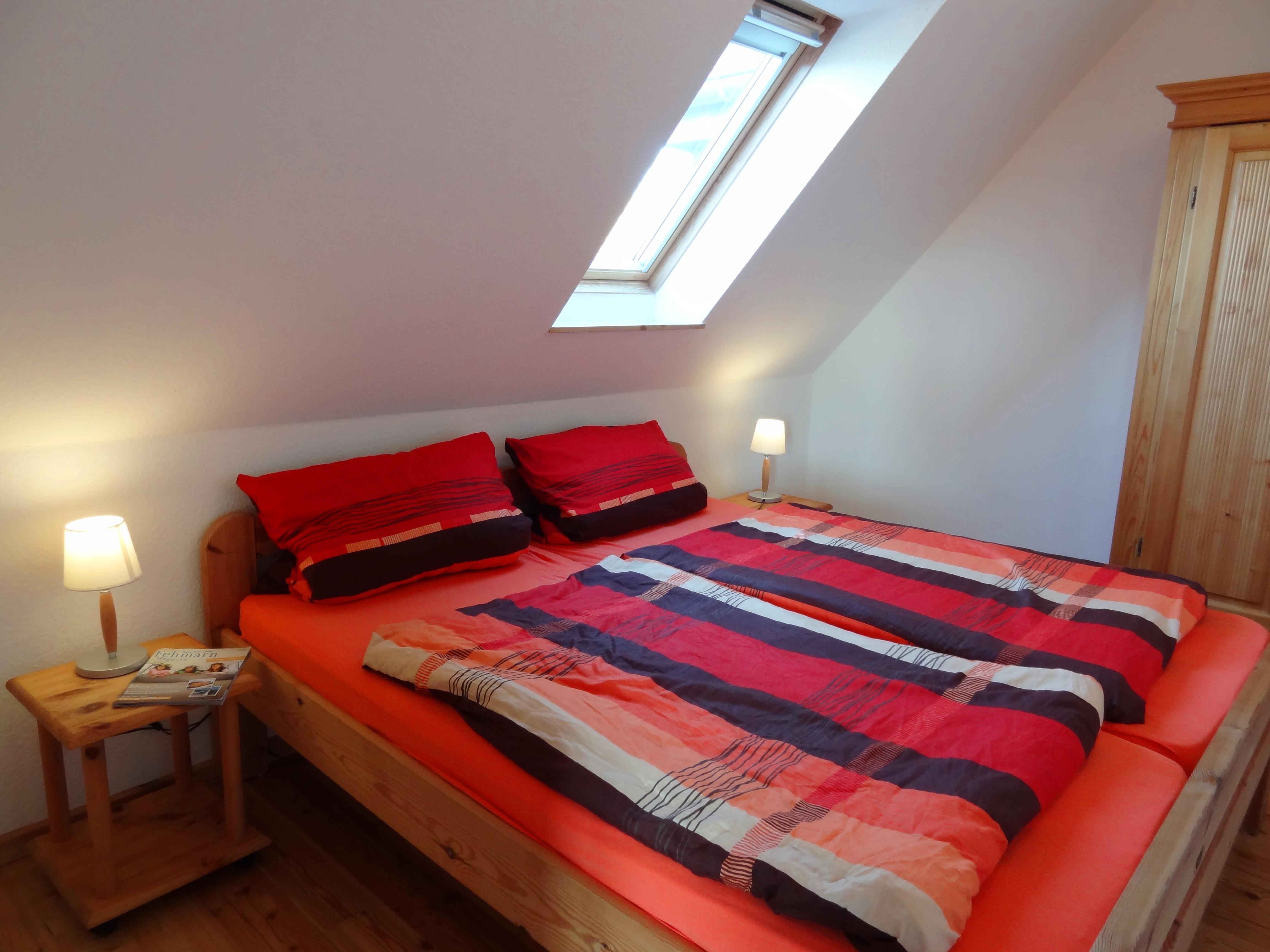 Schlafzimmer der Ferienwohnung Gilge von Ferienwohnungen Hass auf Fehmarn