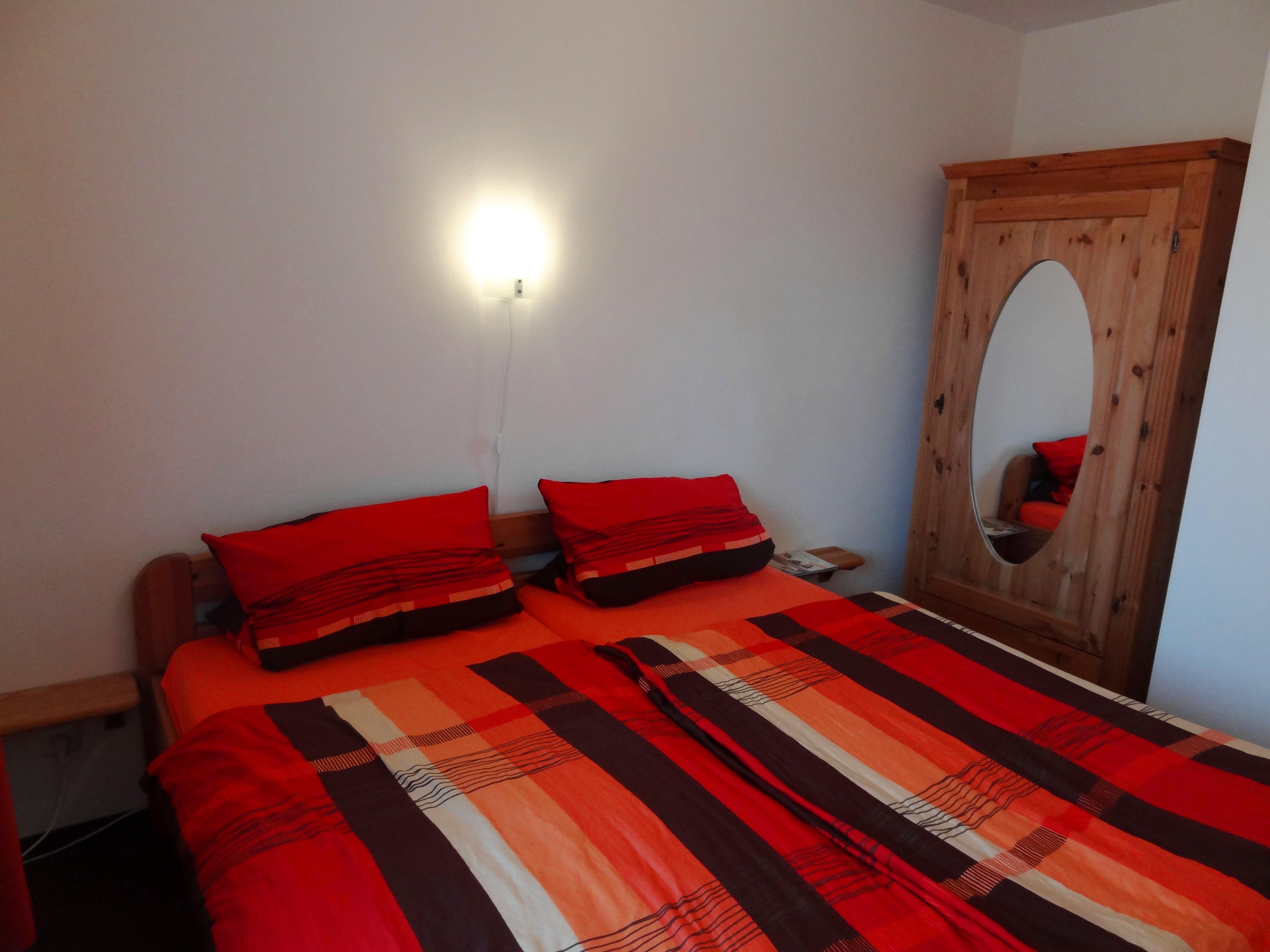 Schlafzimmer der Ferienwohnung Hagen von Ferienwohnungen Hass auf Fehmarn