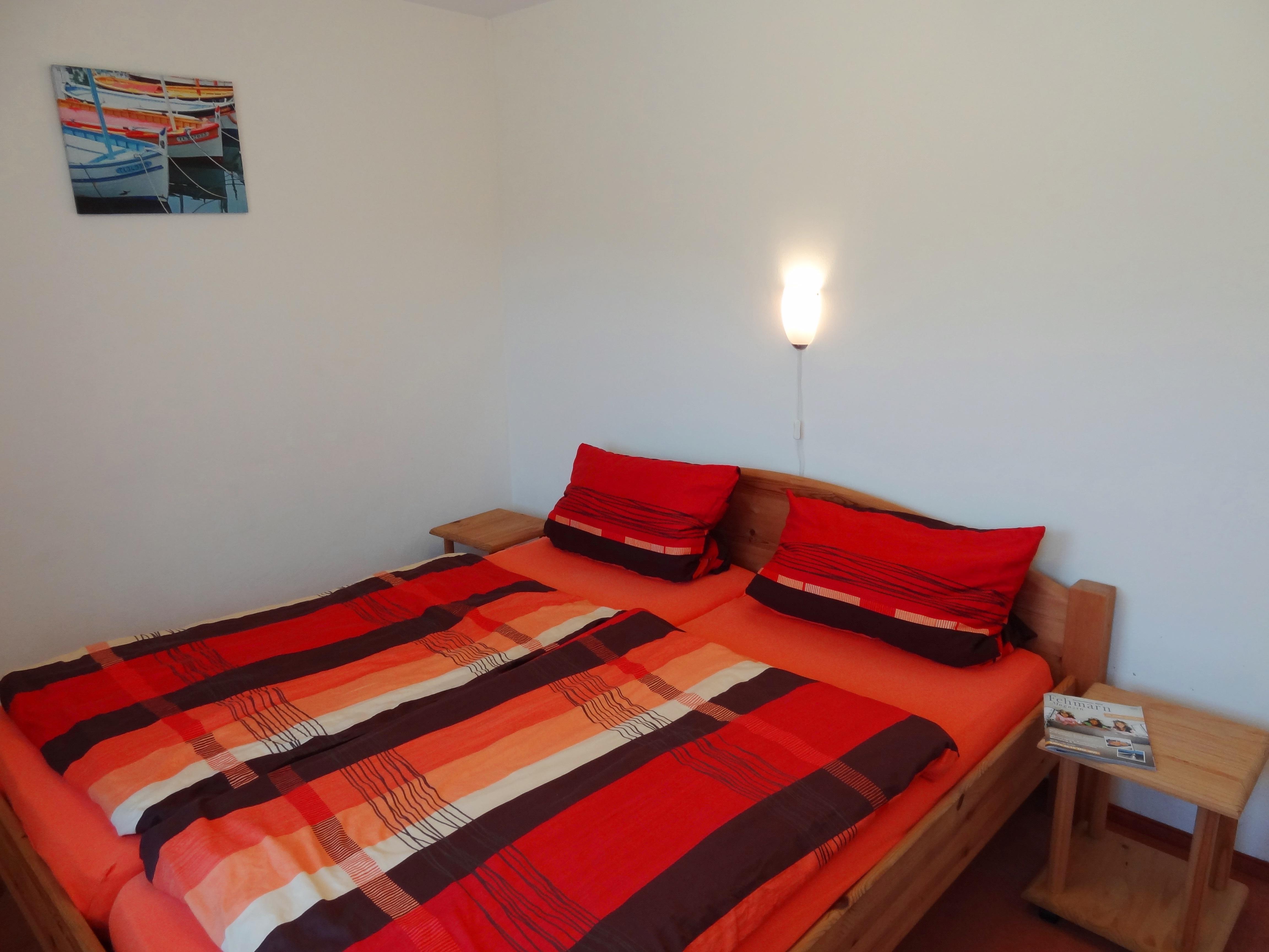 Erstes Schlafzimmer der Ferienwohnung Husum von Ferienwohnungen Hass auf Fehmarn
