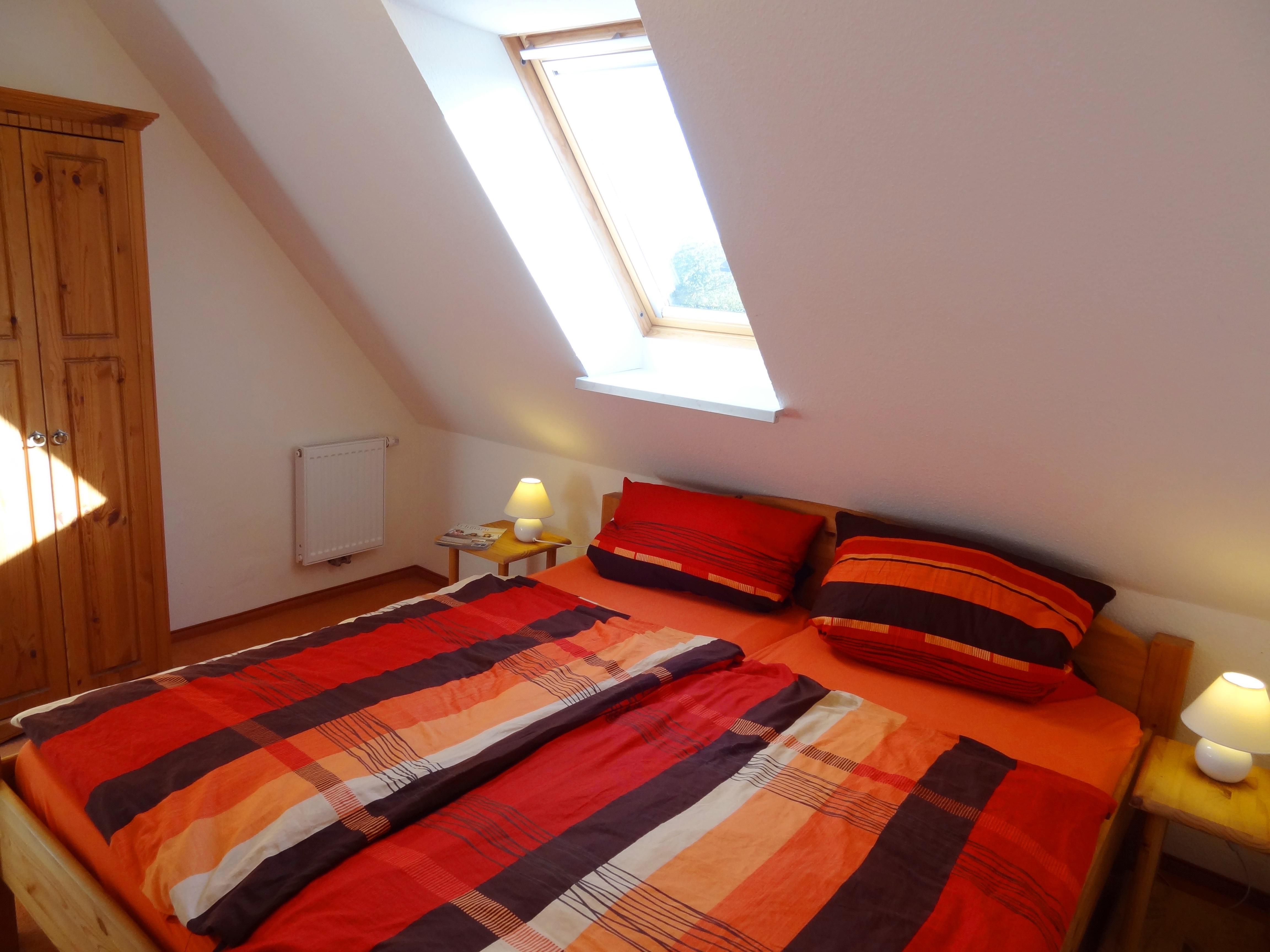 Erstes Schlafzimmer der Ferienwohnung Kiel von Ferienwohnungen Hass auf Fehmarn