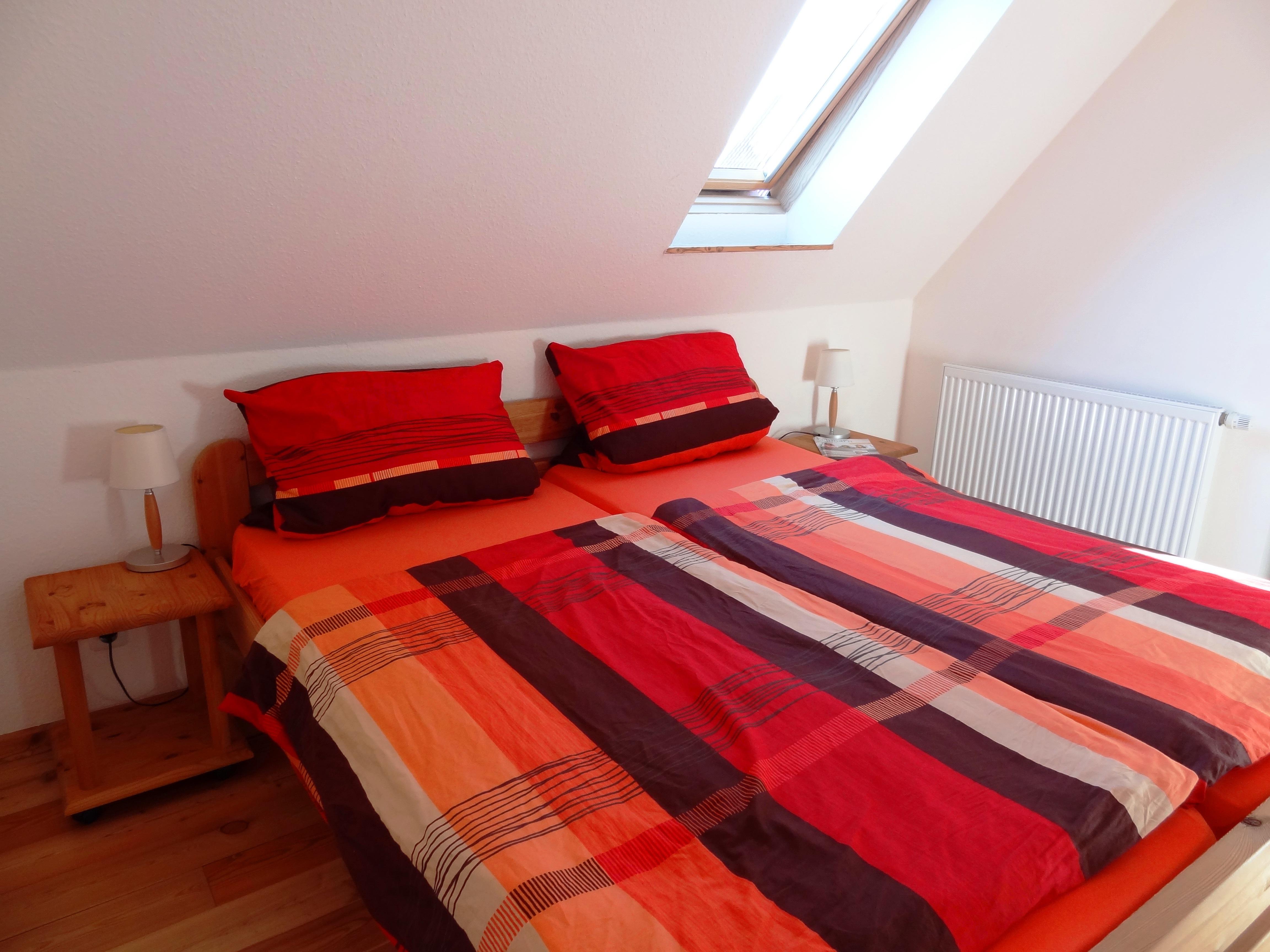 Erstes Schlafzimmer der Ferienwohnung Markt Schwaben von Ferienwohnungen Hass auf Fehmarn