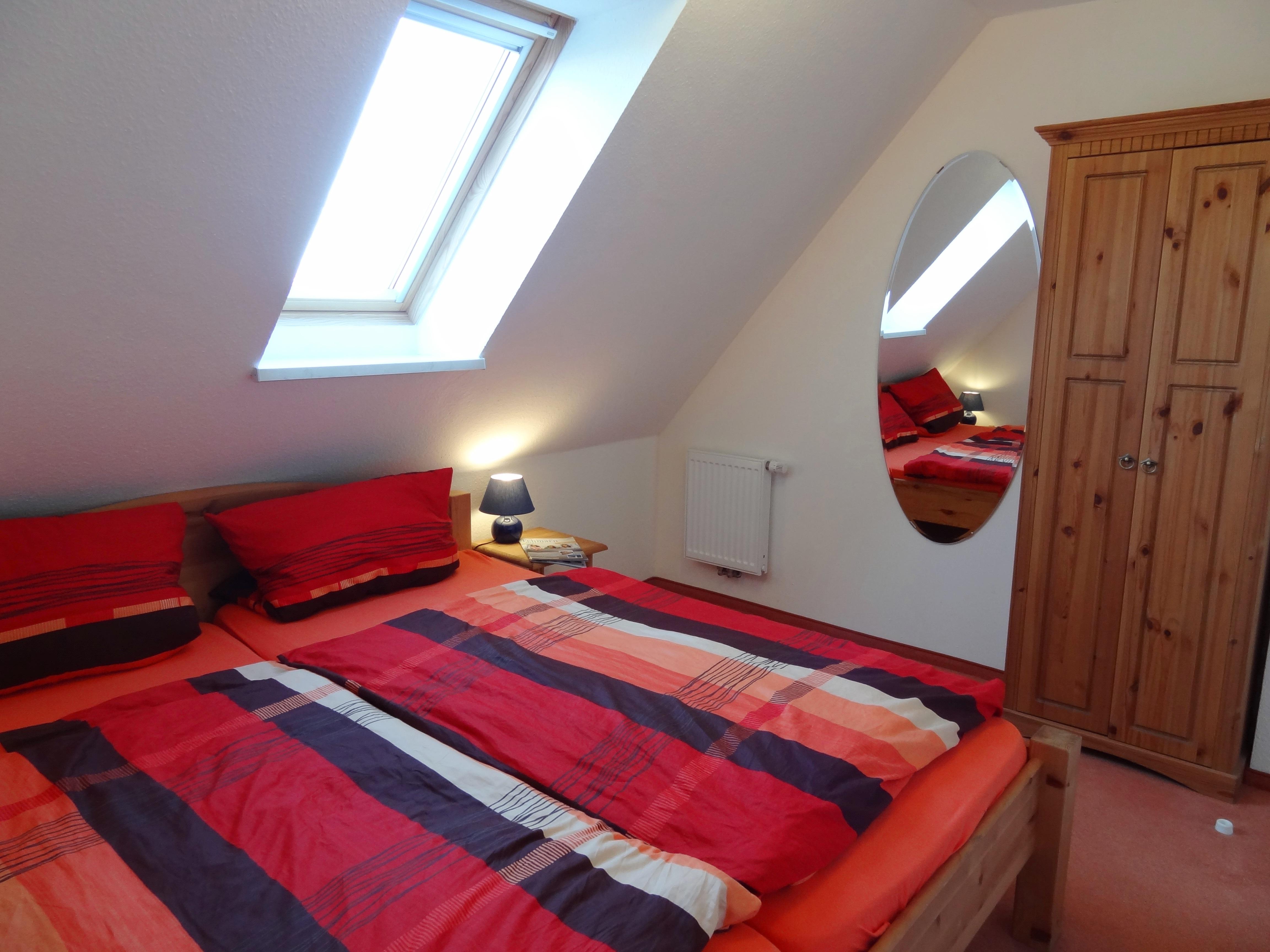 Erstes Schlafzimmer der Ferienwohnung Schwerin von Ferienwohnungen Hass auf Fehmarn